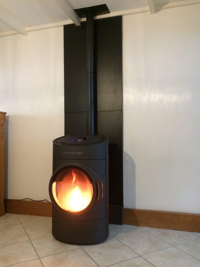 po le granul s austroflamm clou nature et feu po les. Black Bedroom Furniture Sets. Home Design Ideas